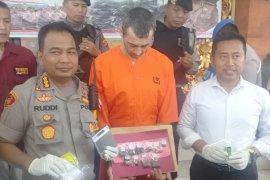 Warga Prancis edarkan sembilan paket narkoba dirantai Polresta Denpasar