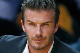 Melawan virus corona, David Beckham pimpin penghormatan FIFA bagi pekerja medis