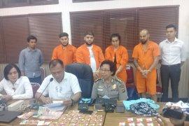 Polda Bali tangkap empat warga Rumania bobol data nasabah