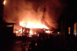 Sebanyak 20 kios ludes terbakar di Aceh Tamiang