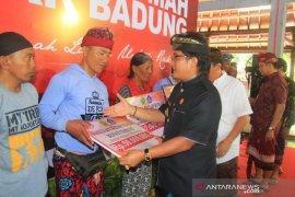 Jembrana mendapat bantuan bedah rumah dari Pemkab Badung