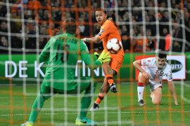 Dwigol Depay bawa Belanda hancurkan Belarus