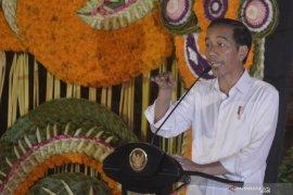 Jokowi: jangan ada yang golput di Bali (video)