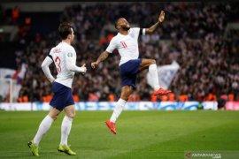 Raheem Sterling cetak hattrick, Inggris cukur Republik Ceko 5-0
