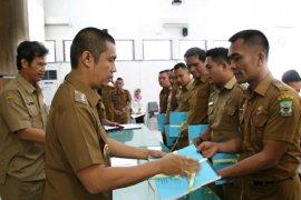 SPPT PBB Pematangsiantar diserahkan kepada camat dan tokoh masyarakat