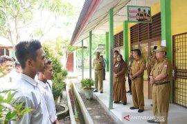 Wakil Wali Kota Tanjungbalai imbau peserta UNBK tidak buru-buru