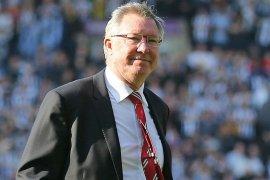 Liverpool juara, Ferguson beri selamat  Dalglish