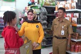 Kotabaru shares 200 purun baskets to replace plastic bag