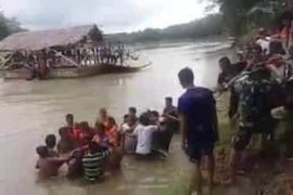 Warga sejumlah desa di Kecamatan Wampu butuh jembatan