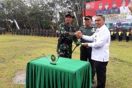Staf Ahli Pangdam VI/Mulawarman tutup TMMD ke - 104