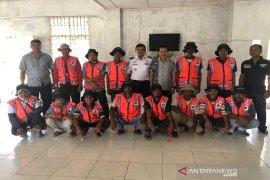Dishub Abdya bagikan seragam baru untuk petugas parkir