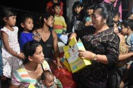 Bupati Mas Sumatri jenguk warga Dusun Pucang yang sempat mengungsi