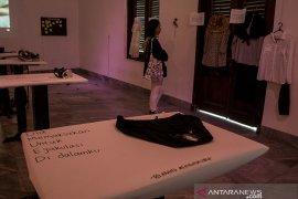Pameran pakaian penyintas kekerasan seksual