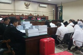 12 orang mantan anggota DPRD Kota Malang dituntut bervariasi