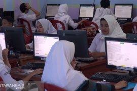 Beredar soal-kunci jawaban UN Matematika di internet