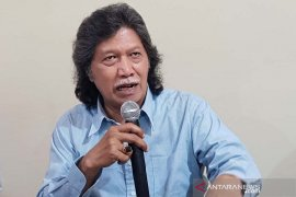 Cak Nun: Indonesia butuh pemimpin beraura pawang