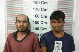 Dua tersangka pengedar sabu-sabu ditangkap dari gubuk