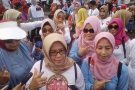 Emak-emak Prabowo-Sandi Kalsel gelar jalan sehat