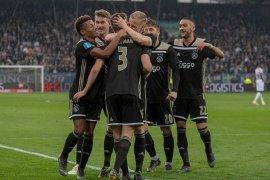 Bola Liga Belanda, Ajax sementara geser PSV dari puncak klasemen