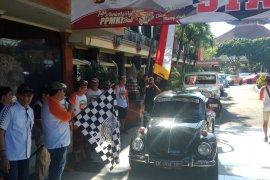 "Kapolda Bali lepas ""touring"" ratusan mobil kuno"