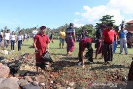 Wabup Badung ajak masyarakat-mahasiswa perangi sampah plastik