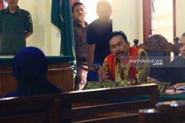 Mantan Bupati Tapteng akan adukan tiga saksi ke Tipikor Polres Tapteng