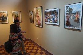 Seniman Prancis abadikan budaya pesisir Surabaya dan Madura