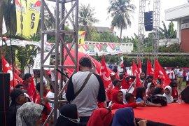Ribuan pendukung Jokowi-Ma'ruf Amin padati tempat kampanye di Depok