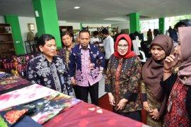 """Pelatihan batik """"3 in 1"""" komitmen Kota Jambi majukan IKM"""