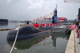 Kapal Selam Alugoro tes kemampuan selam di Banyuwangi (Video)
