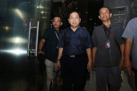 Terpidana perkara korupsi Setya Novanto terlihat di Restoran Padang