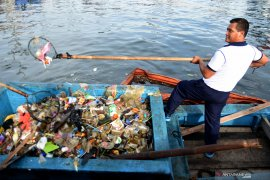 Peringati Hari Bhakti Adhyaksa, jaksa di Bengkulu gelar aksi bersih pantai