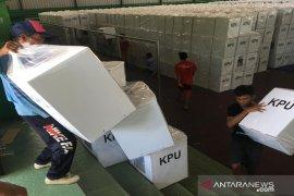 KPU Sampang kerahkan 31 armada untuk distribusi logistik