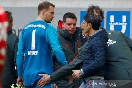 Neuer jadi tumbal kemenangan 4-1 Muenchen atas Duesseldorf