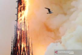 "Eropa ""terluka"" oleh musibah kebakaran Notre-dame, EU janjikan bantuan"