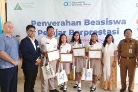 Empat pelajar SMAN 4 Denpasar juarai kompetisi bisnis Asia Pasifik