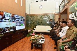 Cek kesiapan pemilu, Ridwan Kamil konferensi video dengan bupati/wali kota