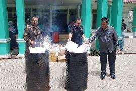 KPU Kota Pontianak musnahkan surat suara rusak sebanyak 15.033 lembar