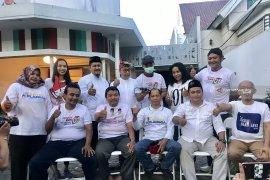 Relawan Jokowi cukur gundul