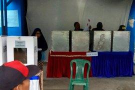 Pemilih di Simalungun  tidak leluasa di bilik suara