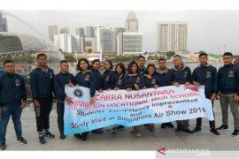 Taruna-taruni SMK Penerbangan Cakra Nusantara Denpasar raih belasan sertifkat kompetensi