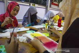Workshop melukis sarung bantal