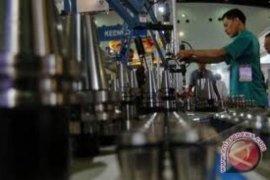 Pengamat berharap pemerintahan baru berani berpihak pada industri