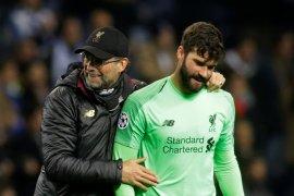 Kiper Alisson tegaskan Liverpool tidak terpengaruh tekanan di Liga Inggris