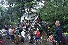 Sopir mengantuk diduga jadi penyebab kecelakaan bus rombongan pelajar