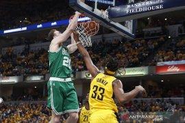 Sapu bersih Pacers, Celtics tim perdana lolos ke putaran kedua.