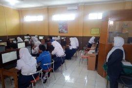 SMP di Garut belum seluruhnya mampu laksanakan UNBK