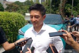 Rio Haryanto konsumen pertama CH-R Hybrid