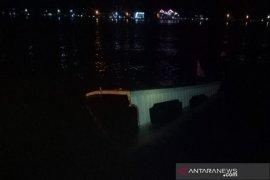 Kapal penyeberangan angkut 60 santri tenggelam