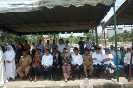 Gubernur dan Wakil Gubernur Sumut hadiri pemakaman jenazah Bupati Asahan